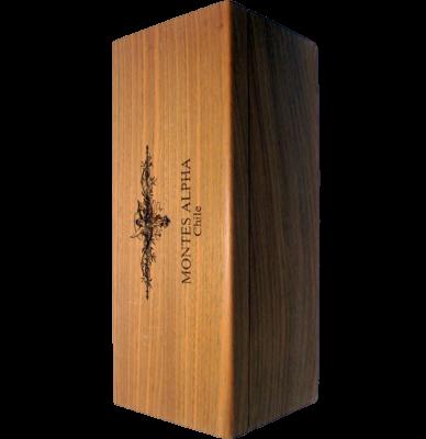 Монтес Алфа Карменер дървена кутия / Montes Alpha Carmenere (wooden case)
